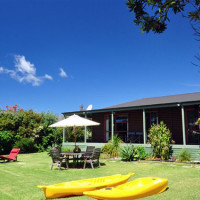 Pohutukawa Holiday Cottage at Coopers Beach