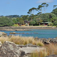 Waterfront self-contained holiday cottages and bed & breakfast