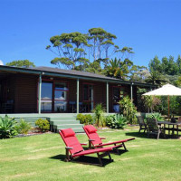 Private and secluded Pohutukawa holiday cottage accommodation
