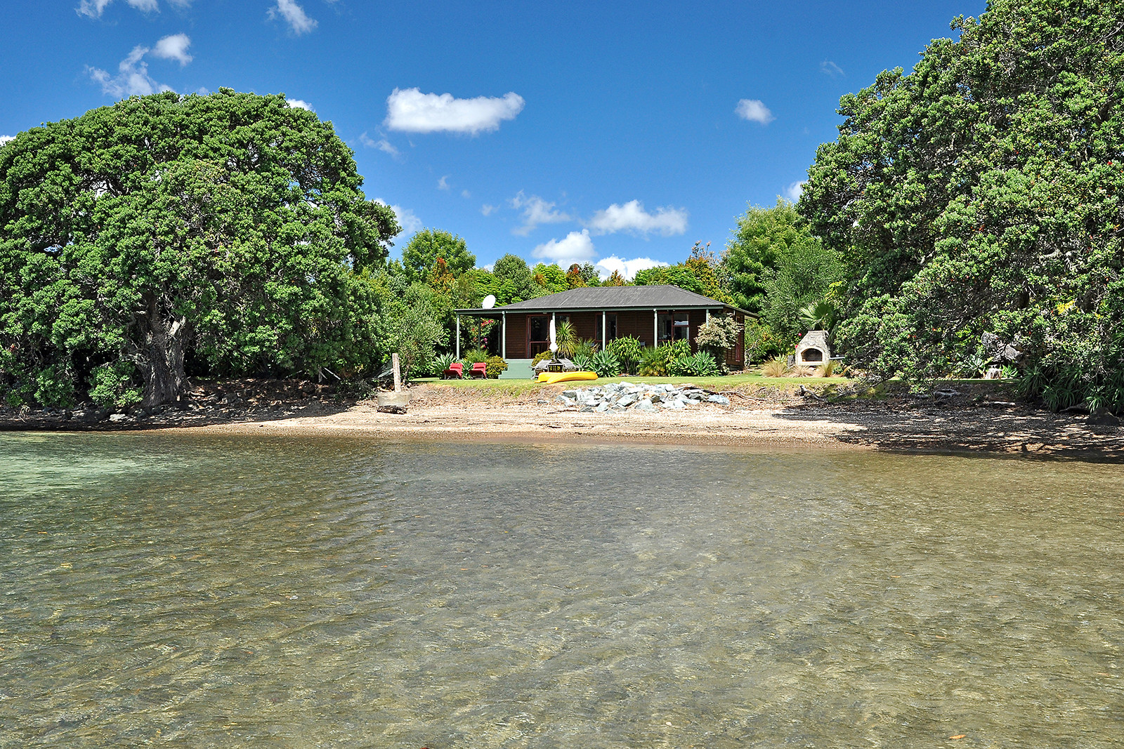 waterfront accommodation at sanctuary in the cove coopers beach
